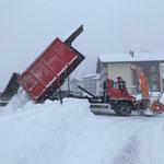 Schnee abkippen beim sport.park, U530