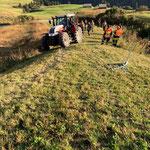 Mithilfe Bergung nach Unfall mit landwirtschaftlichem Spezialfahrzeug am Schöneberg...