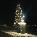 Christbaum Zug, Beleuchtungs-Check nach dem Aufhängen