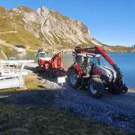 Baggertransport für Ski Zürs AG zum Zürsersee, mit Steyr 6240 CVT und Bigabhänger