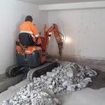Schremmarbeiten für WC-Kanal