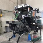 Fortschritt Kranaufbau für neuen Steyr Traktor 6240 CVT bei Fa. Kneidinger, OÖ