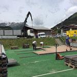 ACCR Rückbau Zelt - Bodenplatten verladen
