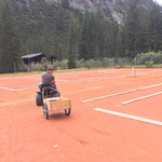 Tennisplätze abbauen und winterfest machen im Waldbad