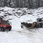 Material laden Deponie Schneider für Loipengeländer Omesberg