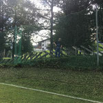Rasenpflege Fußballplatz, Netz und Weg ausmähen
