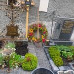 Urne beisetzen am Friedhof
