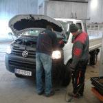 Betriebsmittelcheck am VW-Pritsche lang