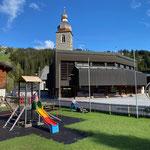 Rasenpflege Spielplatz Schule