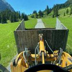Grünschnittkiste Waldbad transportieren, mit Lader 509