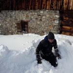 Spazierwegbank suchen und ausschaufeln Gaisbühel - Alpe