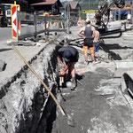 Alte Heizwerkrohre entfernen Baustelle Gemeindezentrum Lech