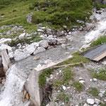 Zulauf Wasserscheide Flexen frei machen