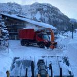 Schneedepots holen, mit U530 und Lader 524, Tannberg