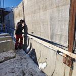 Gemeindezentrum, Baustelle winterfest machen. Baustellensicherungen anbringen