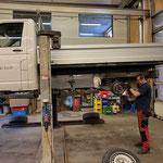 Reparaturarbeiten für Begutachtungsplakette VW Pritsche