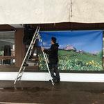 Bannermontage für Heimatabend, Bühne Schulplatz