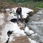 Kaputte Brücke demontieren Lechweg