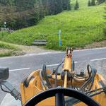 Tannbergbank Bodenalpe reparieren und retourstellen, mit Lader 509
