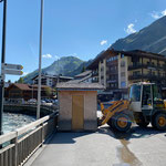 Infohütte stellen für Lech Zürs Tourismus