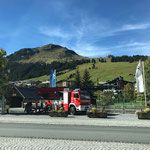 Assistenz mit Drehleiter FF Lech, Austauscharbeiten Beleuchtung Promenade