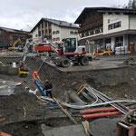Gemeindezentrum Lech, Wasserleitungsverlegearbeiten. Mehr Fotos vom Bau siehe Link unter BAUHOF 60