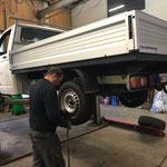 Winterreifen montieren VW-Pritsche lang