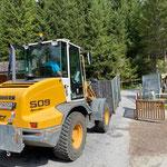 Waldbad, Grünschnittkiste zum Bauhof bringen, mit Lader 509