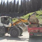 Material laden im Steinbruch
