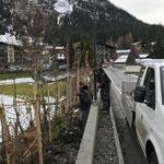 Montage Straßenbeleuchtung Hochwasserschutzmauer Hotel Arlberg
