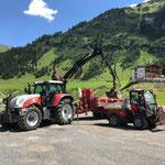 Sanierung Burgwaldweg, Feinplanie laden  auf Holder, mit Steyr 6190 CVT