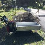 Wegebau Spullerbachweg, Feinplanie aufbringen