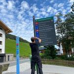 Pensionsbeschilderung, Tafel montieren neues Restaurant Walkerbach
