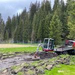 Drainagierung Waldbad anlegen mit TB 216 und Lindner Unitrac...