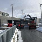 Wegsanierung Winterwanderweg Zürs-Lech, Material laden
