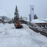 Rolba 1500, Schneedepot beim Dorfbrunnen fräsen...