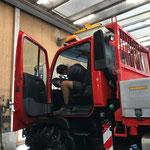 Fahrzeugpflege Unimog 400