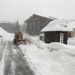 Holder Schneeräumung bei der Tiefgarage Anger