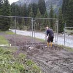 Zaun stellen nach Humusierung
