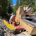 Schalungen Breitwellenrutsche abbauen