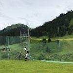 Fußballplatz Netze aufhängen...