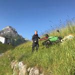 Rapid mit Mulchaufsatz und Pendelmähereinsatz am sport.park.lech - Dach