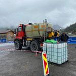 Autokino-Veranstaltung am Schlosskopf: Beschwerungen für Leinwand füllen mit U400
