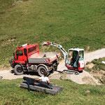 Wegesanierung Karbühel: Schotter laden am Auenfeldsattel
