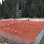 Ab sofort: bespielbar. Eingang beim Tennishüttle