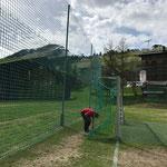 Netze montieren Tore Fußballplatz