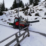 Test-Solarlampe von Stubenbach zum Burgwaldweg transportieren...