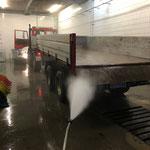 Reinigung U1600 mit Hänger Waschhalle Bauhof