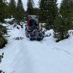 Wegeholder mit Reifenwalze, Lechuferweg Richtung Zug