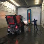 Kehrmaschine waschen am Bauhof